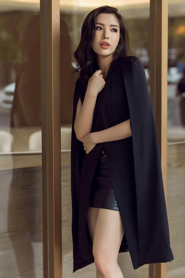 Bộ ảnh được thực hiện với sự hỗ trợ của nhiếp ảnh Chanh, stylist Mạch Huy.
