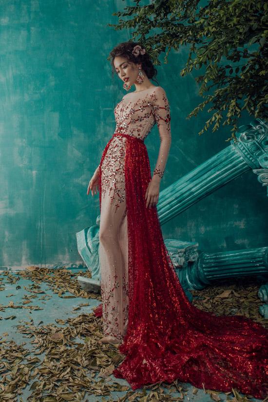 Lan Khuê khoe vóc dáng chuẩn với váy dạ hội mỏng tang