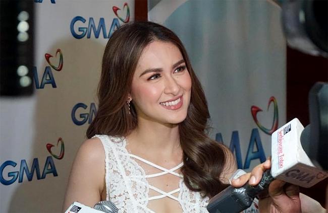 Mỹ nhân đẹp nhất Philippines bối rối vì bộ ngực quá sexy - 7