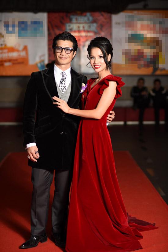 Vợ chồng Dustin Nguyễn - Bebe Phạm tình tứ trước ống kính. 789Mười là bộ phim thứ ba mà cặp đôi hợp tác, trong đó Dustin
