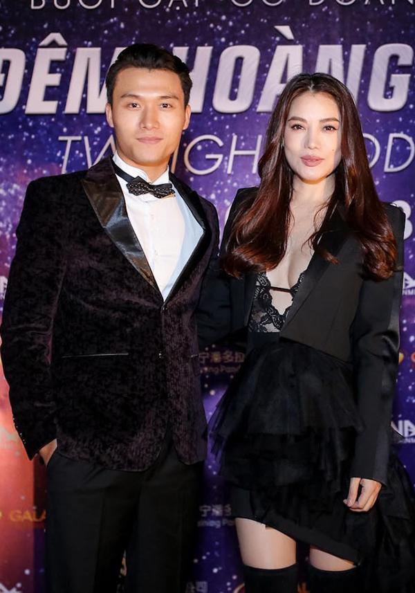 Diễn viên Xuân Phúc tới chúc mừng Trương Ngọc Ánh đầu tư thực hiện bộ phim mới.