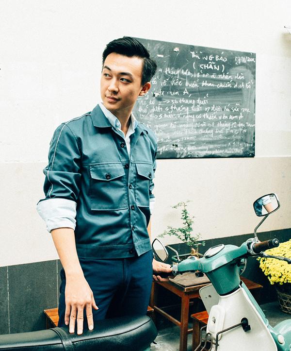 Hiện tại Phan Tô Ny là gương mặt khá quen thuộc với khán giả Sài Gòn. Trước khi trở thành MC, anh từng trải qua nhiều công việc khác nhau, trong đó có cả vai trò diễn viên. Tô Ny đã góp mặt trong phim Trở về phần hai của đạo diễn Việt Trinh. Trong cuộc sống, không ai lường trước được điều gì. Nghề nghiệp hiện nay của bạn có thể cũng chẳng nói lên được điều gì về tương lai bạn cả, bạn sẽ chuyên tâm vào công việc khi bạn tìm được niềm đam mê của mình, anh nói.