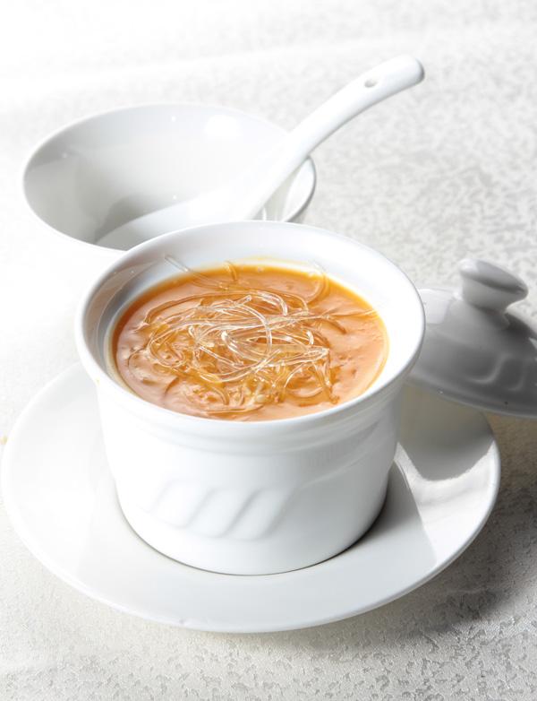 Vây cá Long Hoàng là một trong tứ đại món ngon của ẩm thực Trung Hoa.