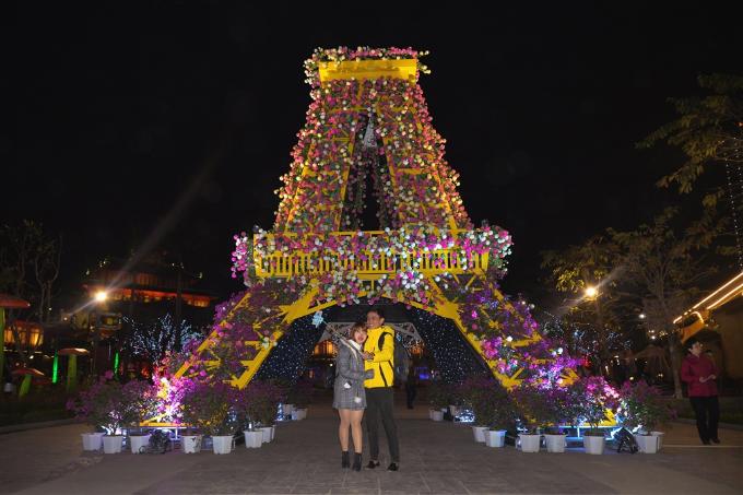 Lễ hội Kỳ quan muôn sắc hoa thu hút nhiều du khách - 7