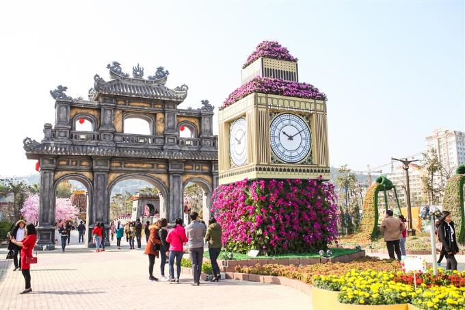 Lễ hội Kỳ quan muôn sắc hoa thu hút nhiều du khách - 6