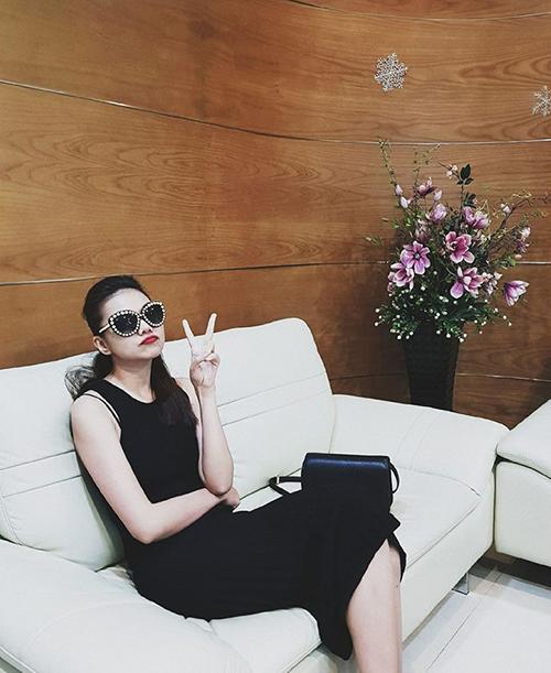 Giữa guồng công việc cuối năm bận rộn, Thanh Hằng vẫn dành thời gian đi spa để thư giãn bản thân.