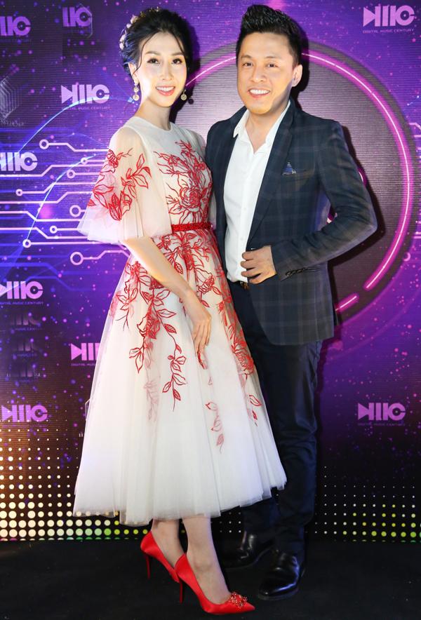 Anh Hai gặp gỡ Hoa hậu điện ảnh 2015 Đặng Thanh Mai.