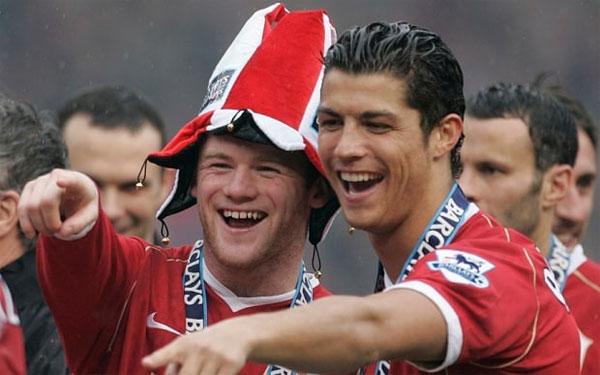 Vụ va chạm nảy lửa không làm sứt mẻ tình bạn thân thiết của Rooney và C. Ronaldo tại MU.