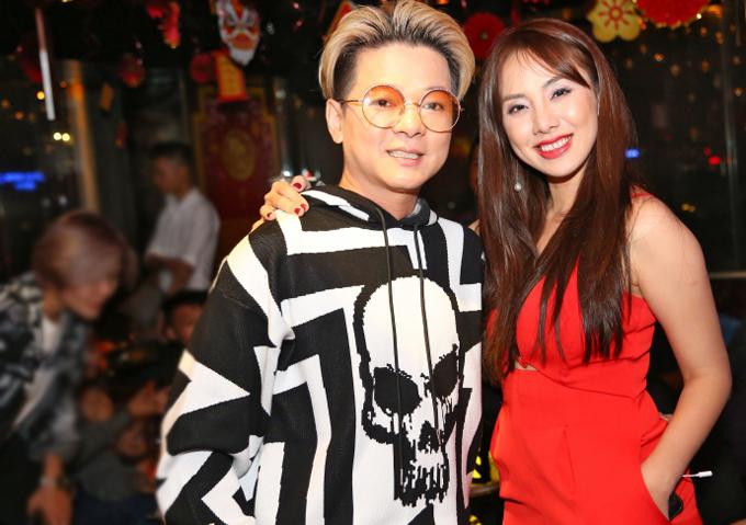 Miko Lan Trinh nổi bật với trang phục đỏ rực, tình cảm chụp ảnh cùng đàn anh Vũ Hà.