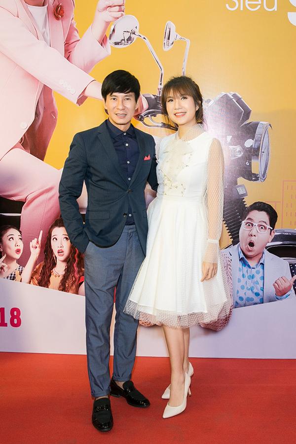 Vợ chồng Lý Hải - Minh Hà đến ủng hộ đồng nghiệp.