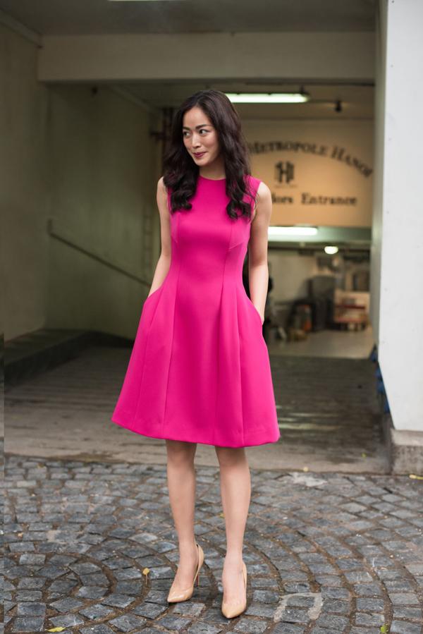 Ở bộ sưu tập dành cho mùa xuân 2018, nhà thiết kế Đặng Hải Yến vẫn trung thành với phong cách tối giản, phù hợp với nàng văn phòng hiện đại.