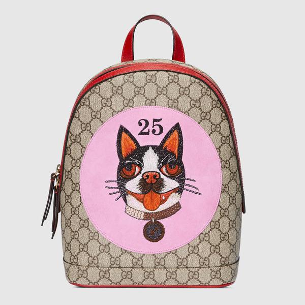 Gucci nhanh tay tung ra các sản phẩm mới để chiều lòng khách hàng châu Á trong dịp Tết Nguyên Đán bằng bộ sưu tập túi xách được tô điểm hình ảnh cún cưng.