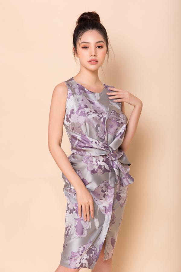 Nổi tiếng về việc luôn đầu tư cho công đoạn dệt và in vải bằng công nghệ cao của Nhật Bản, trang phục của Phương My tạo được nét riêng với họa tiết không đụng hàng.