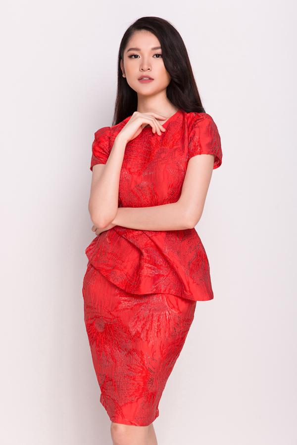 Những mẫu đầm ngắn tôn nét trẻ trung cho người mặc là sản phẩm được Phương My giành tặng các bạn gái khi mùa lễ Tết đang đến gần.