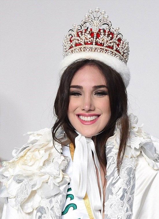 Edymar Martinez đến từ Venezuela là mỹ nhân của năm 2015. Cô giành ngôi vị Hoa hậu Quốc tế 2015 diễn ra tại Tokyo, Nhật Bản. Vẻ đẹp ngọt ngào của Edymar chinh phục mọi giám khảo và các chuyên gia sắc đẹp của Missosology.