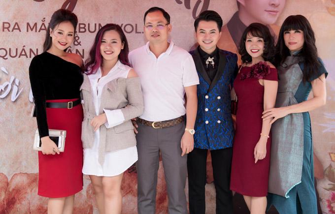 Ca sĩ Hà Thúy Anh, đạo diễn Thanh Nhân, ca sĩ Nhật Hạ cùng nhiều đồng nghiệp tới chung vui với Nam Cường.