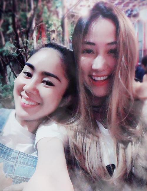 Lê Phương khoe ảnh bên cô nàng bạn thân Ngân Khánh.