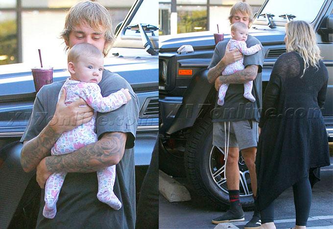 Em bé khá nhỏ nhưng Bieber đã bế rất khéo léo.