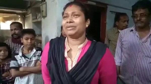 Rita sốc khi biết một quả thận của mình đã bị cắt mất. Ảnh: Hindustan Times