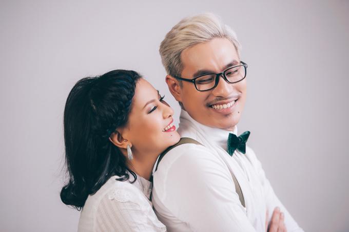Kiều Minh Tuấn và Cát Phượng đã yêu nhau hơn 8 năm mới làm thủ tục đăng ký kết hôn.