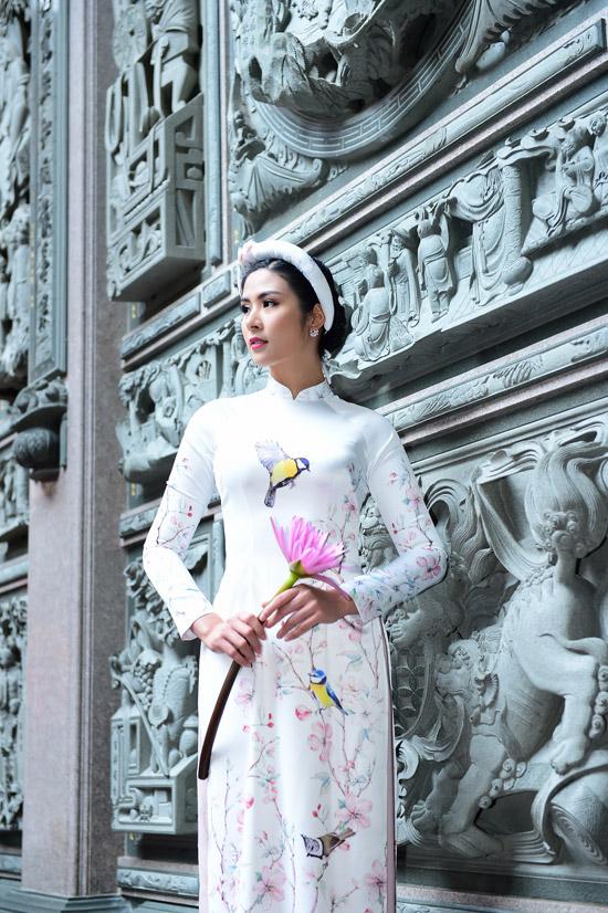 Ngọc Hân chịu mưa lạnh 10 độ C khi chụp ảnh áo dài tại Đài Loan - 2