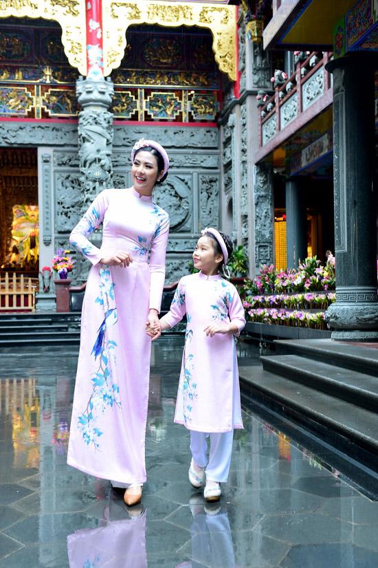 Ngọc Hân chịu mưa lạnh 10 độ C khi chụp ảnh áo dài tại Đài Loan - 6