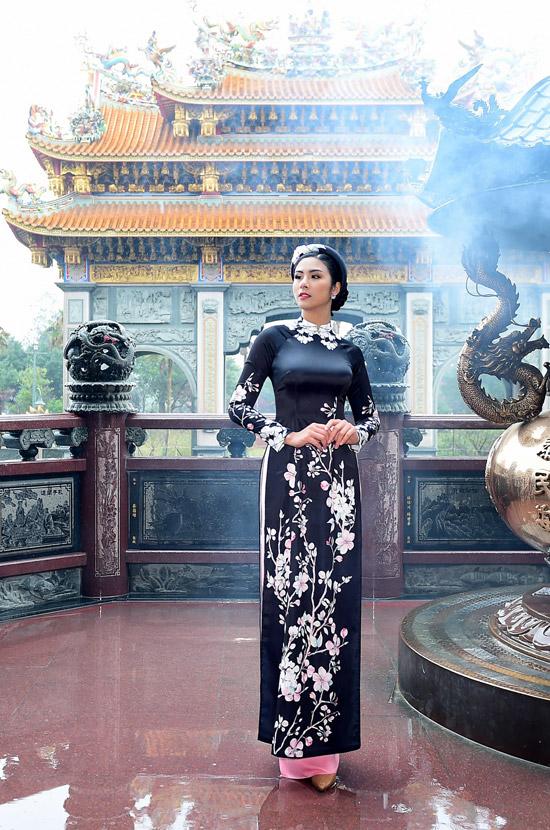 Ngọc Hân chịu mưa lạnh 10 độ C khi chụp ảnh áo dài tại Đài Loan - 10