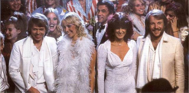 Nhóm ABBA sau 38 năm sáng tác ca khúc Happy New Year (bài Tết)