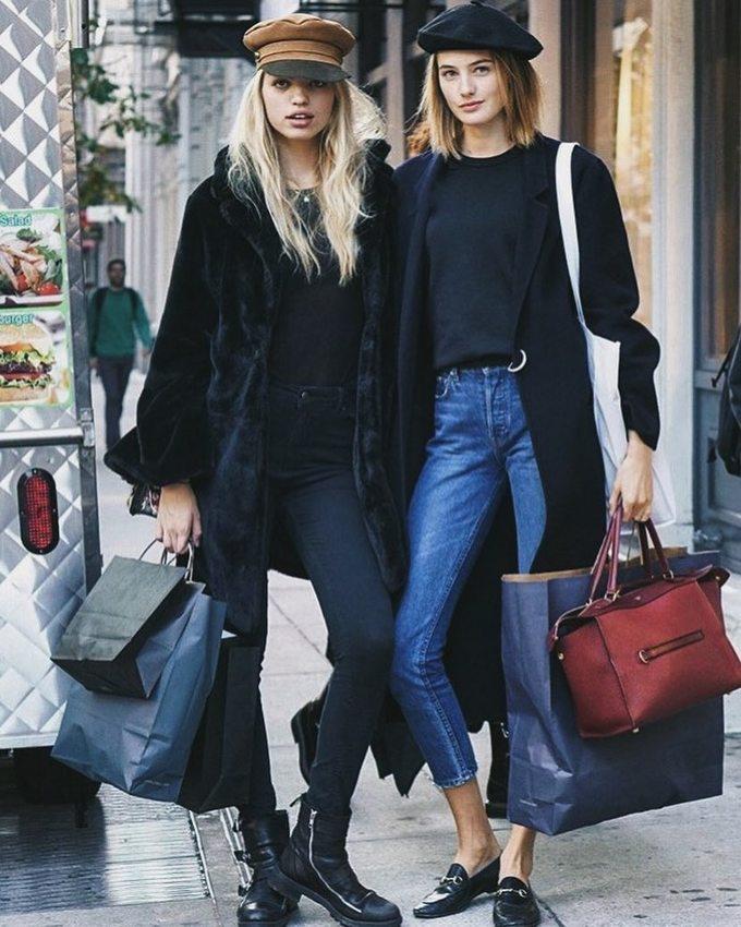 Người mẫu nội y Sanne Vloet diện quần jeans \'sexy hết phần người khác\'