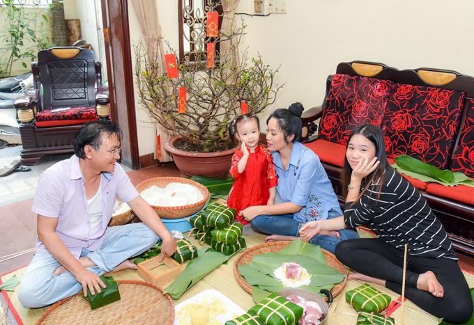 Con gái lớn của Trịnh Kim Chi tên là Khánh Ngân, đang ở tuổi thiếu nữ. Cô bé thừa hưởng năng khiếu nghệ thuật của mẹ, thỉnh thoảng tham gia diễn kịch.