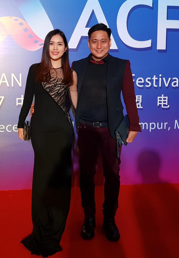 Trước đó Minh Tiệp và bà xã Thùy Dương còn được mời dự LHP châu Á tổ chức ở Malaysia. Anh có một đề cử tại LHP này cho vai diễn trong phim Hà Nội, Hà Nội đóng cùng người đẹp hoa ngữ Can Đình Đình.