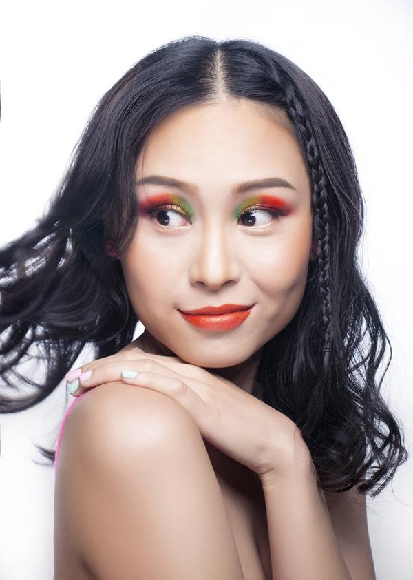 Bộ ảnh được thực hiện với sự trợ giúp của Makeup & Hair: Lý Trường Giới, Photo: Quốc Lê.