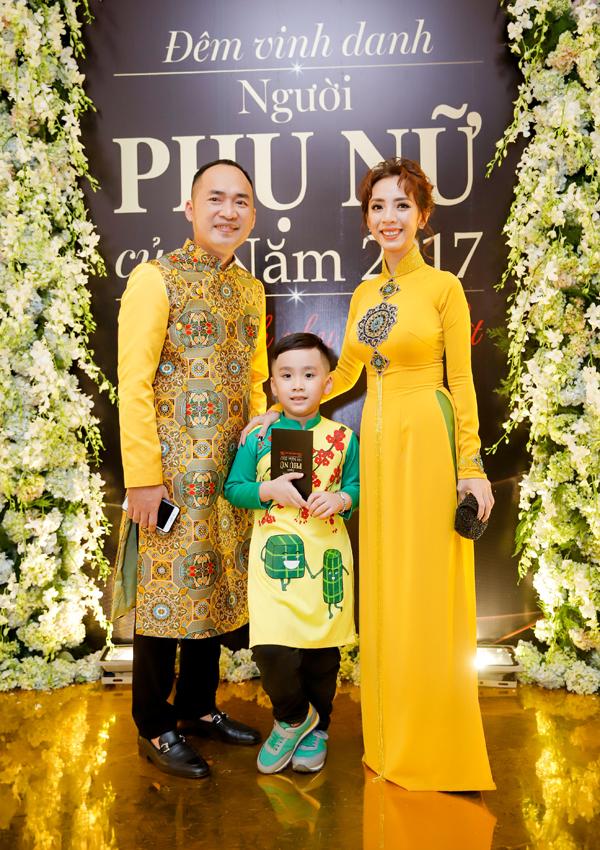 Gia đình Tiến Luật - Thu Trang.