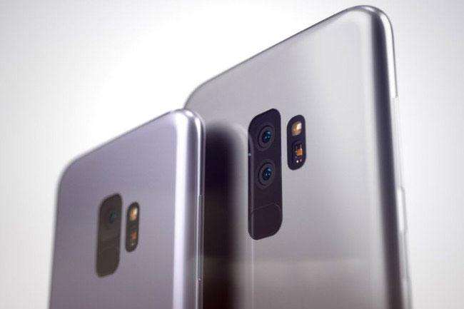 Điểm khác lớn nhất giữa S9 và S9 Plus đó là S9 Plus được trang bị camera kép phía sau còn S9 vẫn chỉ là camera đơn.