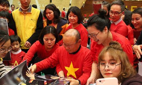 HLV Park Hang-seo giao lưu với kiều bào Việt Nam ở Hàn Quốc
