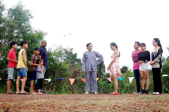 Phim lồng ghép một số trò chơidân gian đặc trưng của người dân Nam Bộ trong ngày Tết.