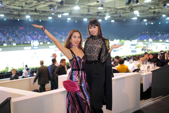 Em gái Hà Anh cũng có mặt tại Hong Kong xem giải đua ngựa.