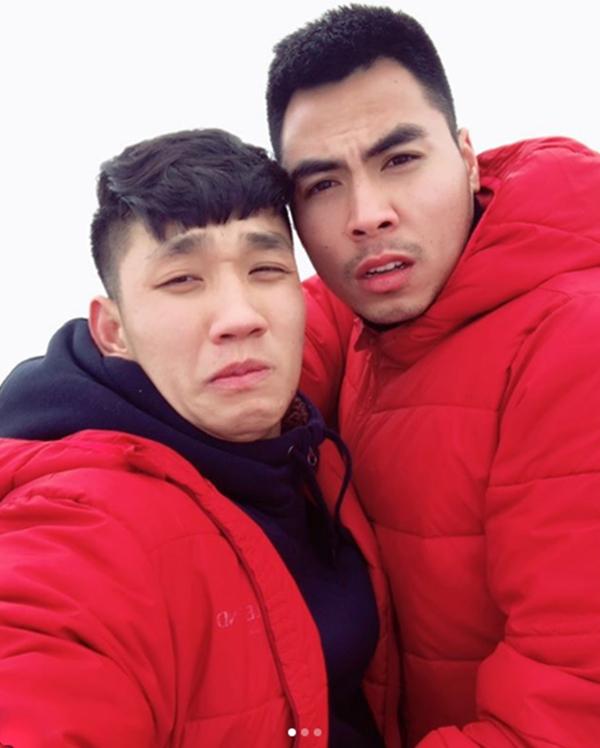 Đức Huy và Trọng Đại biểu cảm dễ thương khi selfie.