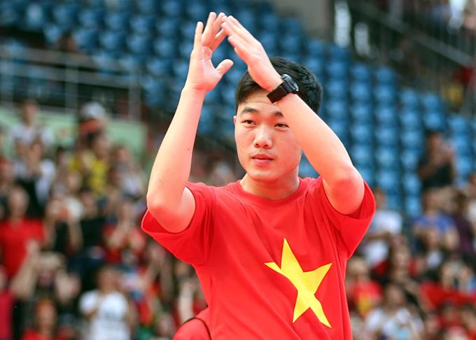 Lượng follow trang cá nhân của đội trưởng Lương Xuân Trường đạt con số xấp xỉ một triệu.