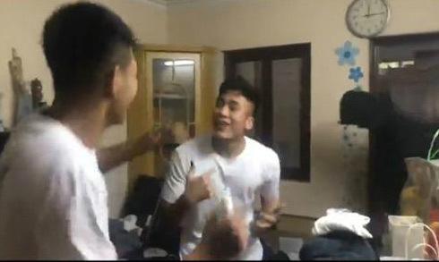 Đức Chinh và Tiến Dụng U23 vừa nhảy sung vừa hát 'Về nhà ăn Tết'