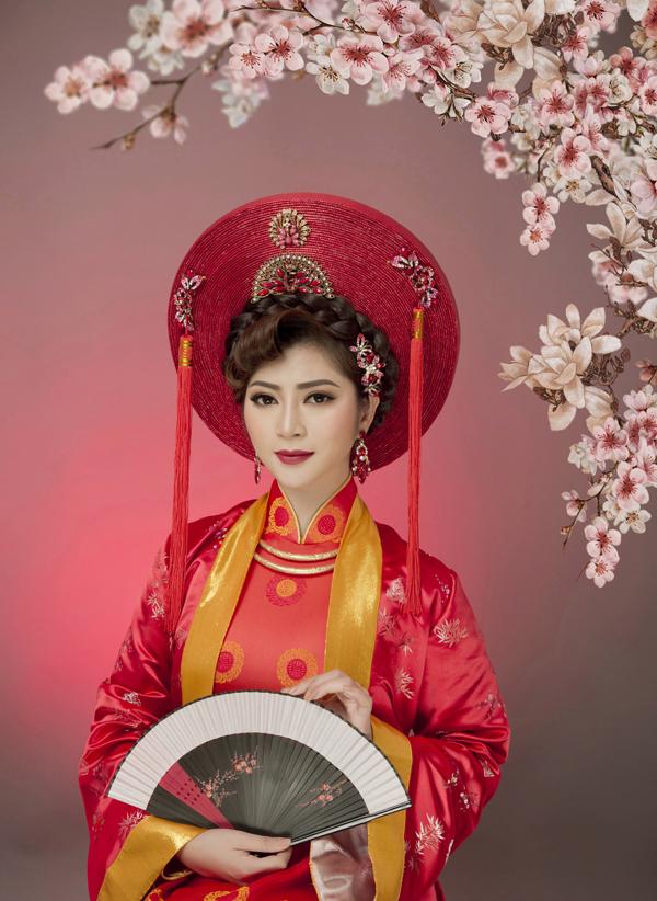 Bộ ảnh được thực hiện với sự hỗ trợ của chuyên gia trang điểm Hồ Khanh.