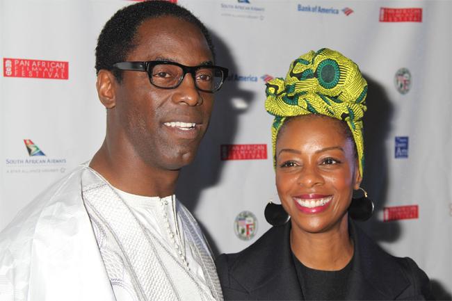 Nam diễn viên Isaiah Washington và vợ anh, Jenisa, lại có cuộc hôn nhân mặn nồng hơn 20 năm qua. Họ kết hôn vào ngày lễ tình nhân năm 1996 và hiện đã có 3 đứa con.