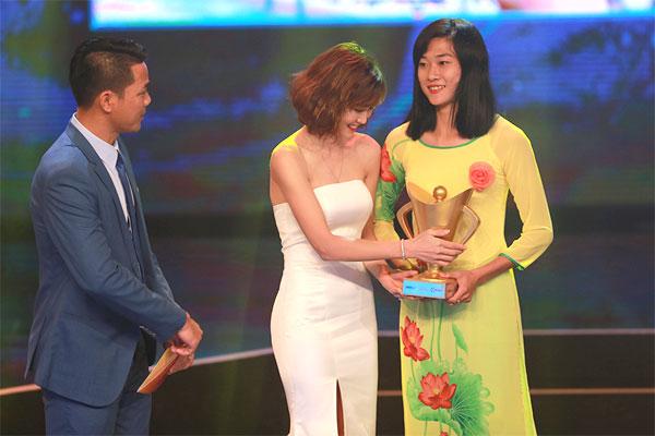 Các khoản thưởng lớn của VĐV Việt năm 2017 - 1