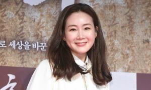 Choi Ji Woo tuổi tứ tuần vẫn giữ phong độ nhan sắc
