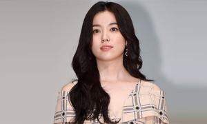 Han Hyo Joo mặc giản dị, trang điểm nhẹ vẫn xứng danh 'bảo bối nhan sắc Hàn'