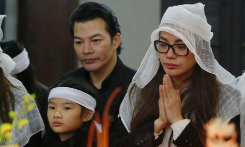 Trần Bảo Sơn ra Hà Nội viếng đám tang bố vợ cũ