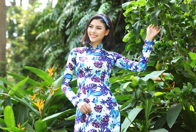 Đào Hà với nụ cười rạng rỡ rất giống diễn viên Tăng Thanh Hà. Cô hiện là sinh viên, vừa đi học vừa thỉnh thoảng tham gia các hoạt động nghệ thuật.