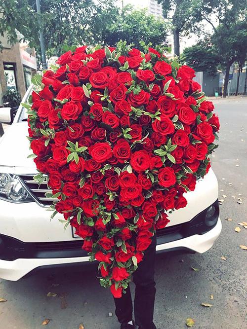 Có bạn trai kinh doanh hoa tươi nên chị Nguyễn Hòa ở Phú Thọ được nhận triệu đóa hồng trong ngày Valentine.