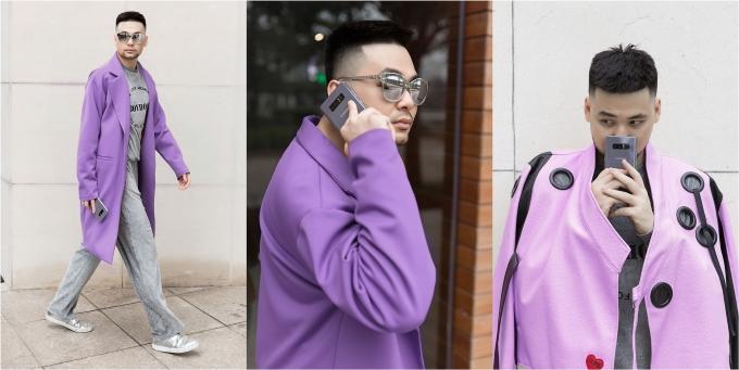 Long Ichi nổi bật với áo khoác màu tím.