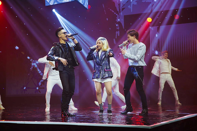 Ba ca sĩ trẻ Ali Hoàng Dương, Orange và Erik cùng kết hợp trong liên khúc cácbản hit của nhau.